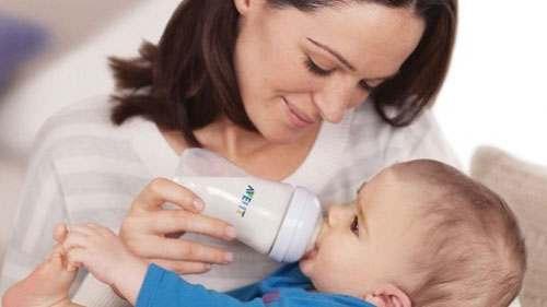 Kūdikių maitinimas