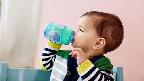 Pradėjusių vaikščioti kūdikių puodeliai